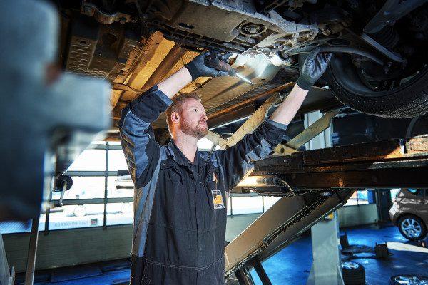Auto laten repareren doet u bij onze autogarage in Emmen