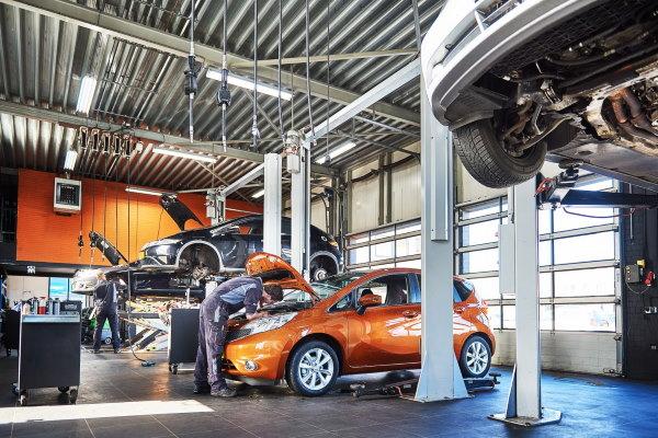 In onze werkplaats in Emmen kunt u uw auto laten repareren
