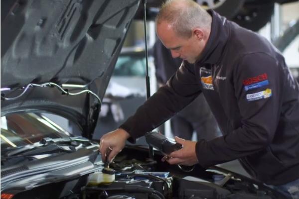 Tijdens de APK-keuring wordt uw auto grondig nagekeken